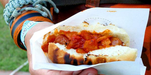 debreceni-gulyasos-hot-dog.jpg
